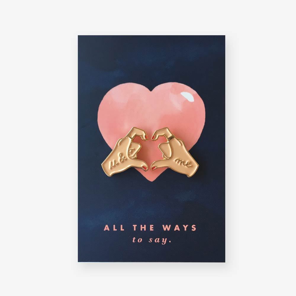[AWS-P21] ALL THE WAYS TO SAY | Pins avec carte - Hands of love pins